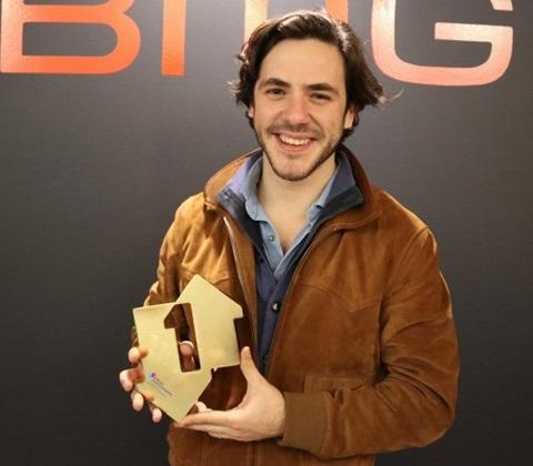 Jack savoretti singing to strangers number 1 album award edit 1100